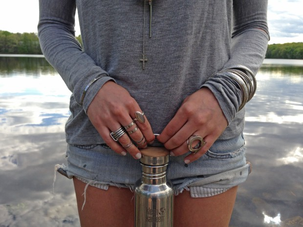 cutoffs & a t-shirt, chucks, silver accessories, Klean Kanteen Reflect